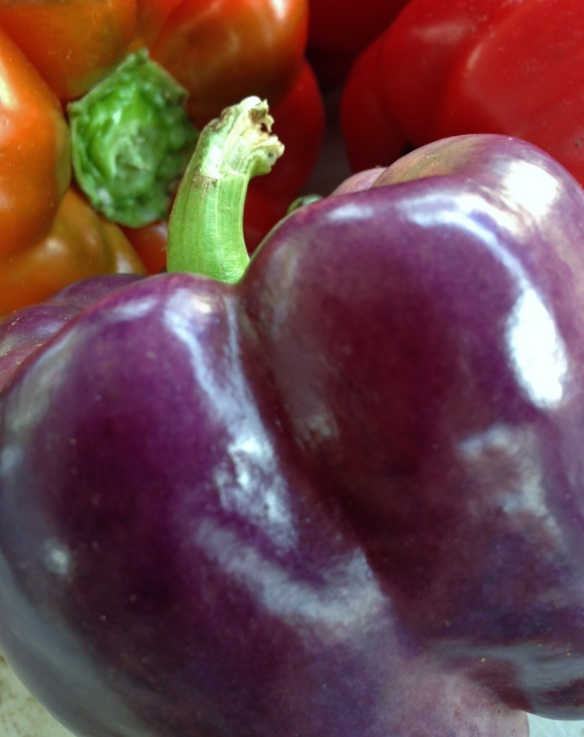 Purple peppers are to be eaten fresh in salads.