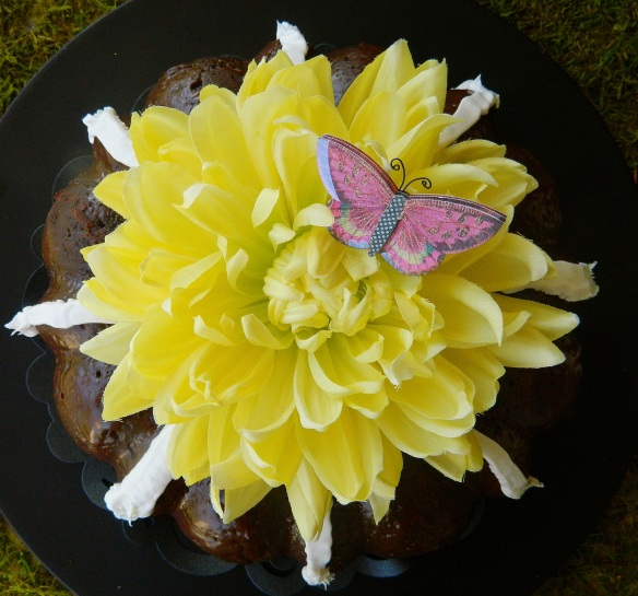 Noting Bundt Flowers
